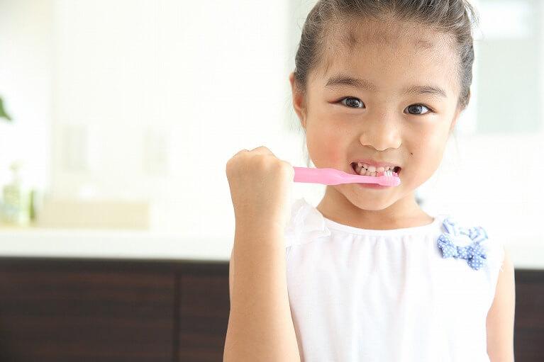 こどものための小児歯科は宝塚の安福歯科医院