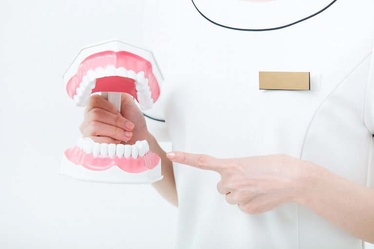 歯を失う原因第1位の歯周病です。宝塚の安福歯科医院では、歯周病治療に力を入れています。