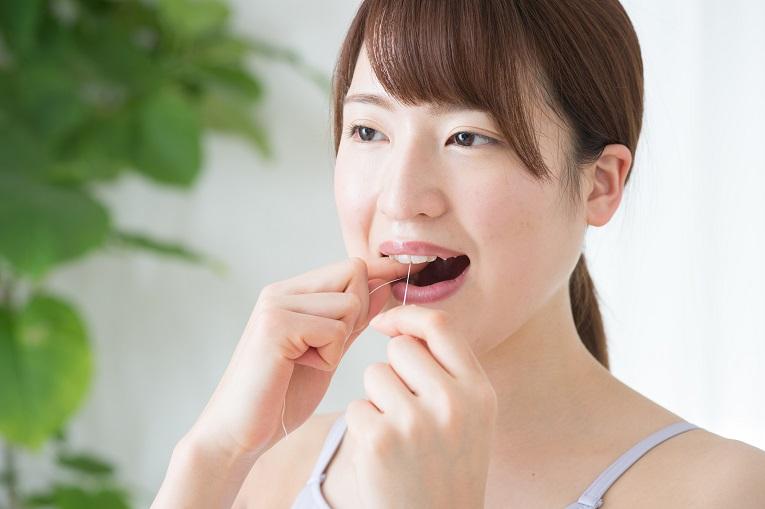 デンタルフロスで虫歯予防