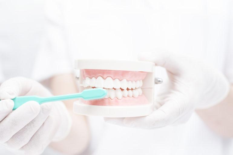 安福歯科医院では歯磨き指導を行っています。